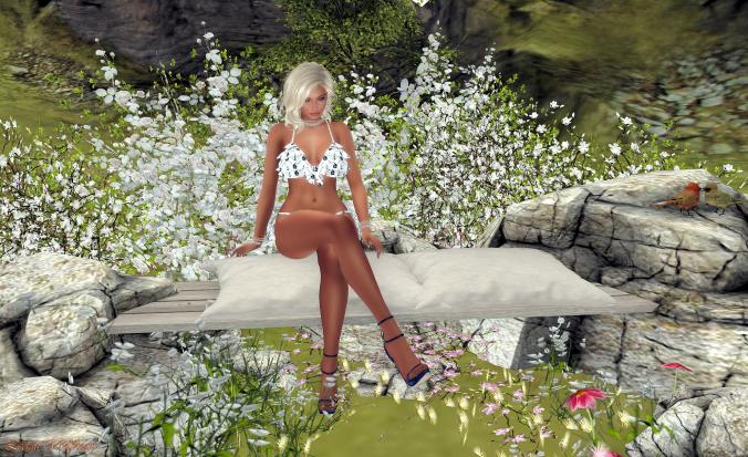 Lola Bikini 005